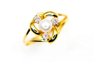 orobriz carmen joyeria sevilla anillo oro perla comunion