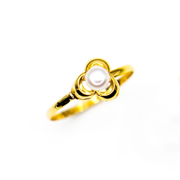 orobriz carmen joyeria sevilla anillo oro perla flor comunion